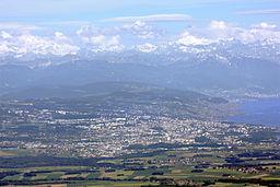 Lausanne, vy fra Mont Tendre i maj 2009