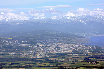 The agglomeration of Lausanne, Lake Geneva and the Alps.