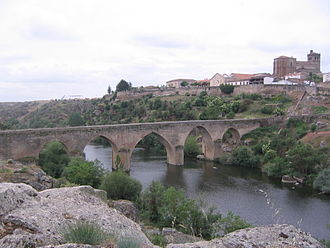 Ledesma, Castile and León - Medieval bridge, Ledesma with the walled town in the background