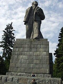 Lenin monument near Dubna