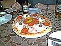 Leonardos Pizza with sour cream Ohrid Macdonia (10312594465).jpg