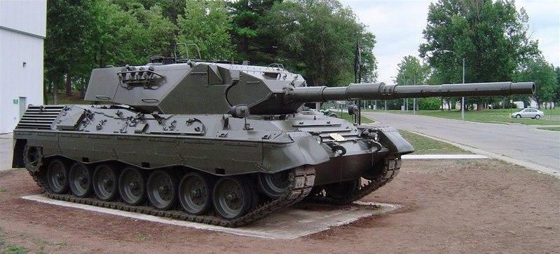 [Resim: 800px-Leopard1_cfb_borden_2.JPG]