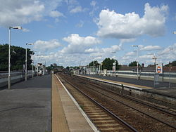 Leyton Midland Road stn look west 2012.JPG