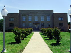 Lincoln County Courthouse 002.jpg