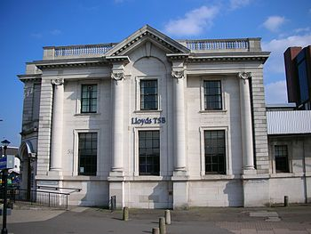 English: Lloyds Bank, Five Ways, Birmingham, E...