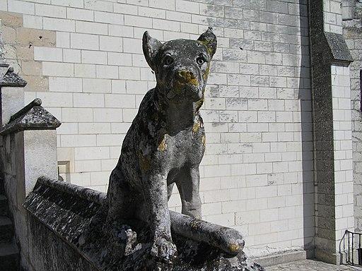 Lochesdogstatue