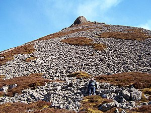 Maiden Paps (Caithness) - Looking up the north west slopes to the summit of one of the Maiden Paps in Caithness