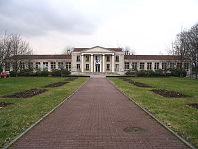 Louvres - Town hall - 1.jpg
