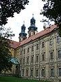 Lubiąż, klasztor, 1692-1710 widok od strony dziedzińca.JPG