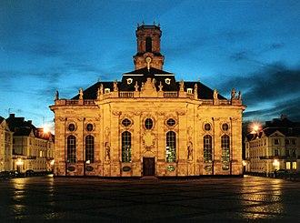 William Henry, Prince of Nassau-Saarbrücken -  Main entrance of the Louis Church at night
