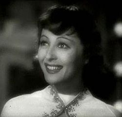 Luise Rainer in Dramatic School trailer 2.JPG