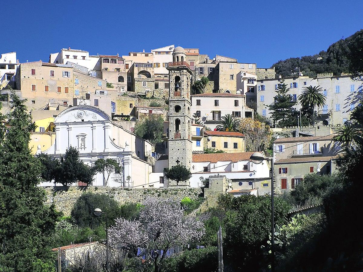 Villa En Corse Pour  Personnes Avec Piscine