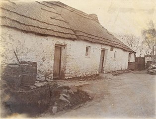 Maesglas Inn, Dihewyd. Charged with licence refused.