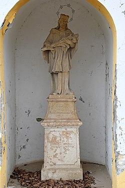Magyaratád, Nepomuki Szent János-szobor 2021 04.jpg