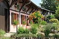 Maisons fleuries à Brizeaux.JPG