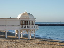 Balneario en la playa de La Caleta, Cádiz.