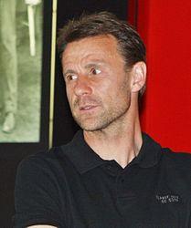Manfred Binz in the Eintracht Frankfurt Museum.JPG