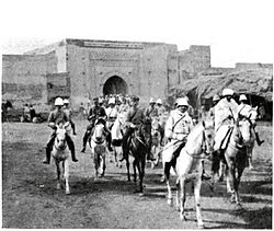 Mangin enters Marrakesh (September 1912).jpg