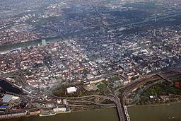 Blick auf die Mannheimer Innenstadt aus einem Segelflieger
