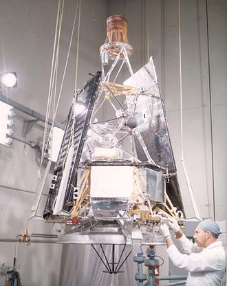 Mariner 2 - Pre-flight inspection of the completed Mariner 2 spacecraft