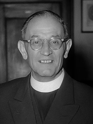 Martin Niemöller - Niemöller at The Hague's Grote of Sint-Jacobskerk in May 1952.