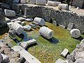 Mausoleo di alicarnasso, vasca rituale 04.JPG