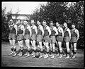 Men's basketball team at the University of Washington, 1923 (MOHAI 5091).jpg