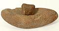 Meule à grains néolithique Gâvres musée de Bretagne D969.0001.1.jpg