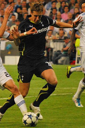 Michael Dawson (footballer) - Dawson playing for Tottenham Hotspur in 2011