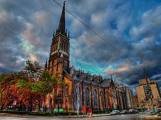 St. Michael's Cathedral Basilica (Toronto) - The cathedral in the evening