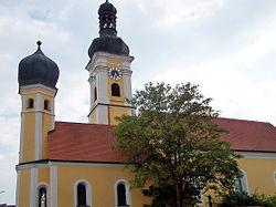 Mintraching-Kirche-Sankt-Mauritius-Kirche-Sankt-Leonhard.jpg