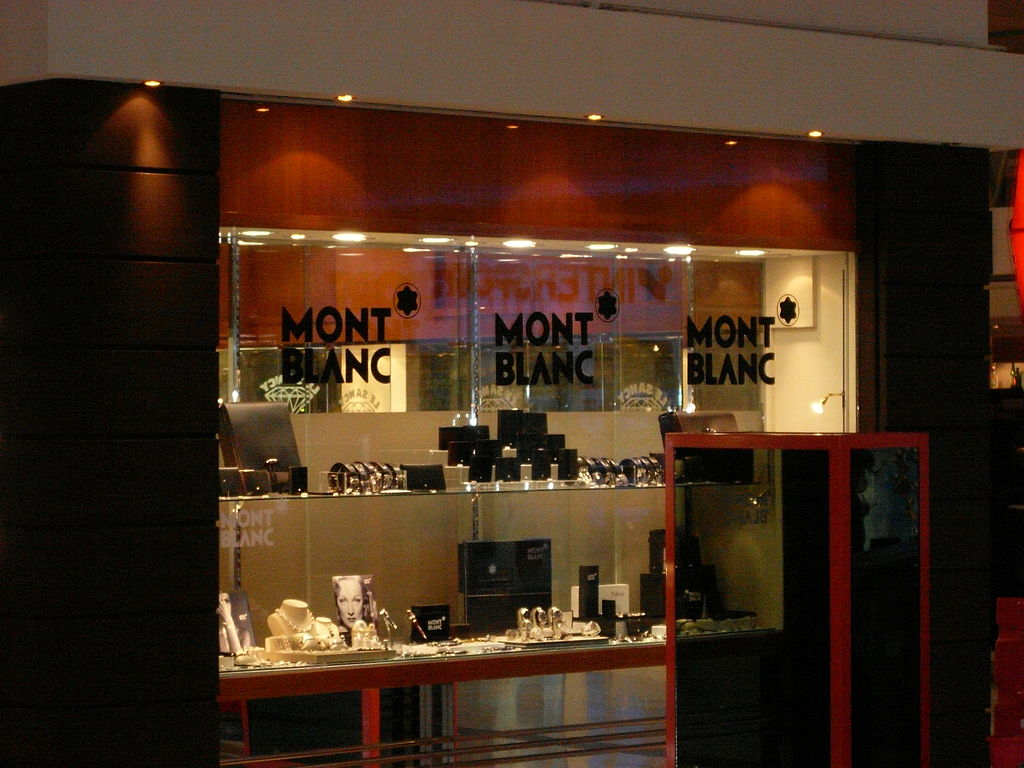 file montblanc shop in la wikimedia commons. Black Bedroom Furniture Sets. Home Design Ideas