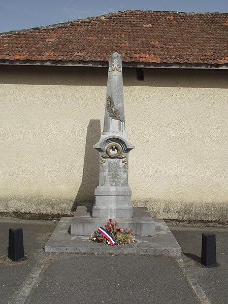 Monument aux morts de Clarens (Hautes-Pyrénées, France)