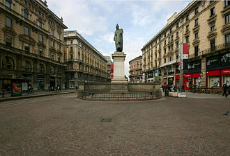 Piazza Cordusio - The Monument to Mr. Parini.