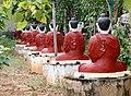 Monywa-Po Khaung-18-Buddhas mit Schirm-gje.jpg