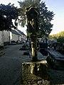 Morbihan Josselin Chapelle Sainte Croix Calvaire - panoramio.jpg