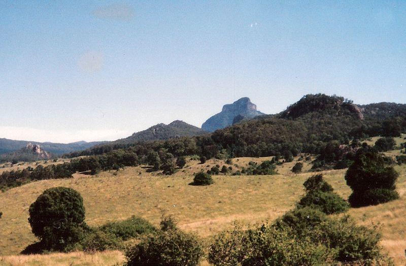 File:Mount Lindesay 2.jpg