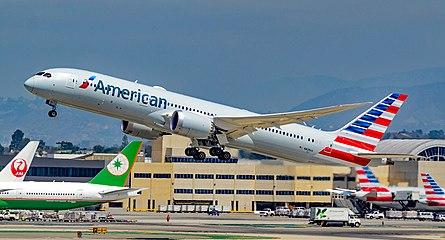 N828AA American Airlines Boeing 787-9 Dreamliner s-n 40698 (36269830574).jpg