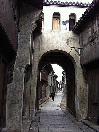 Haining - Image: Nanguanxiang Haining 02