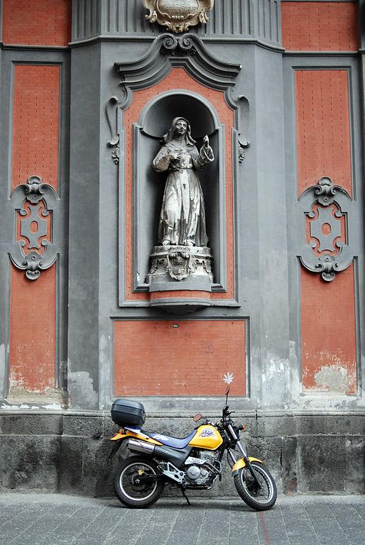Statue de l'église Sant'Angelo a Nilo à Naples- Photo de Mstyslav Chernov