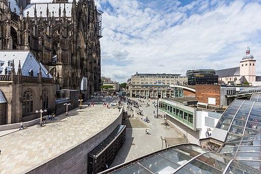 Neu gestaltete östliche Domumgebung, Köln und Chargesheimerplatz-8352