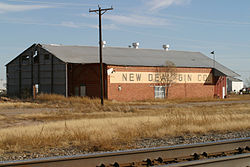 New Deal Cotton Gin near the tracks
