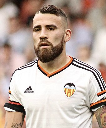 Otamendi with Valencia in 2015 Nicolas Otamendi 2015 (cropped).jpg