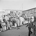 Nieuw aangekomen emigranten (oliem) uit landen van achter het IJzeren Gordijn i…, Bestanddeelnr 255-1161.jpg