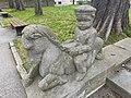 Nymphenbrunnen Augsburg vor dem ehem. Telegrafenamt Junge auf Seepferdchen 01.jpg