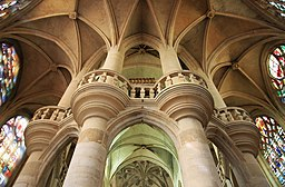 Ogival arches saint-etienne-du-mont church.jpg