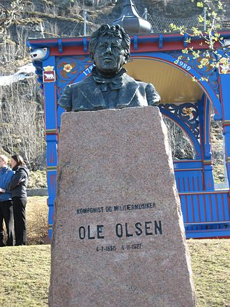 Ole Olsen (musician) - Close-up of Ole Olsen's bust in Hammerfest