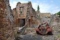 Oradour-sur-Glane Maison et Voiture.jpg