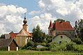 Ortskapelle hl Barbara und Schloss Ehrendorf (Großdietmanns).jpg
