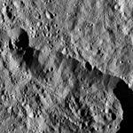 PIA20307-Ceres-DwarfPlanet-Dawn-4thMapOrbit-LAMO-image17-20151224.jpg